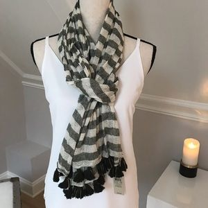 💕 Gorgeous Ann Taylor Linen and Silk Scarf 💕 NWT